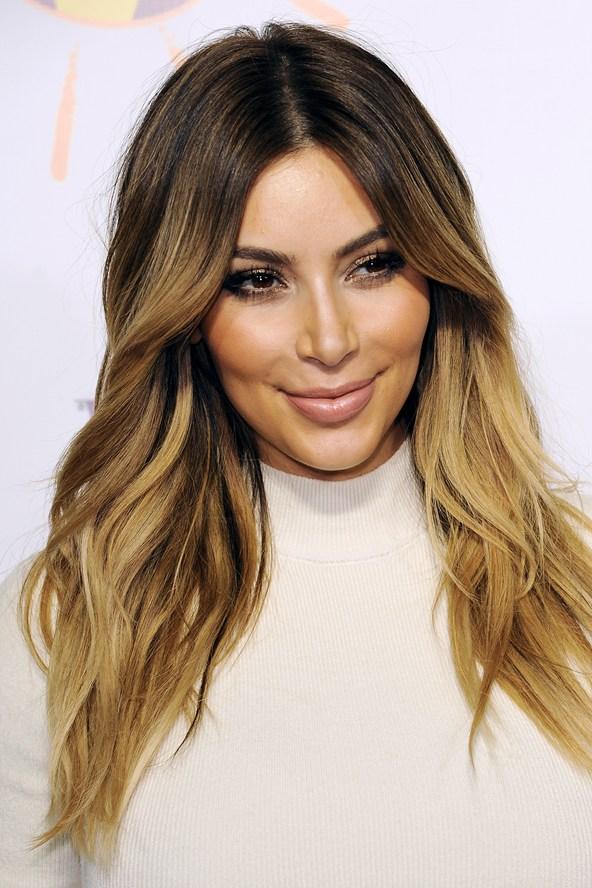 Cheveux kim kardashian miel